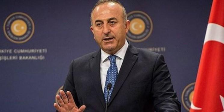 وزیر خارجه ترکیه: نژادپرستی در حال سایه افکندن بر میادین ورزشی اروپا است
