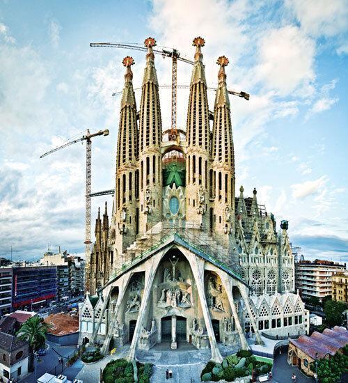 بارسلون؛ شهر فوتبال و معماری و دریا