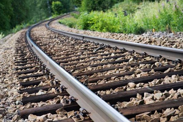 قرارداد فراوری 5 هزار تن ریل بین ذوب آهن و قرارگاه خاتم برای خط آهن چابهار