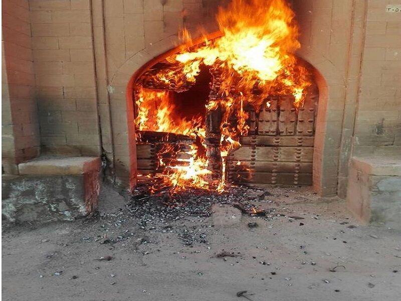 خبرنگاران خانه تاریخی مرعشی شوشتر به آتش کشیده شد