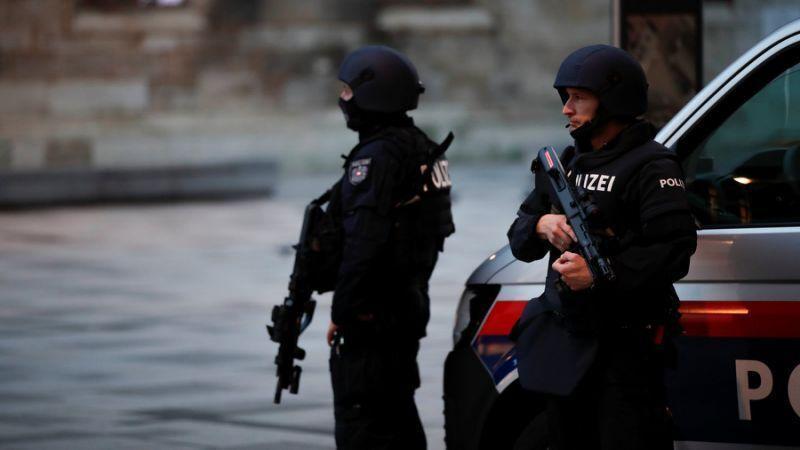 خبرنگاران دستگیری 14 نفر در ارتباط با حمله تروریستی اتریش، افزایش شمار قربانیان به 4 نفر