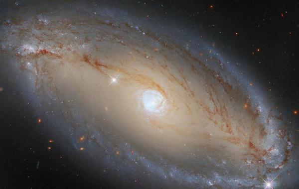 تلسکوپ هابل یک منبع بزرگ انرژی کهکشانی را آشکار کرد